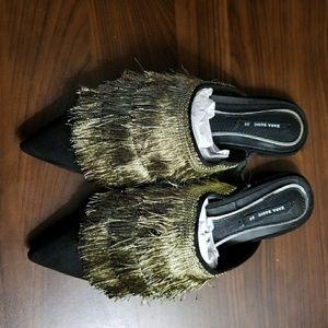 Women low heel slippers